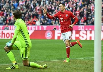 Bayern tritura al Hamburgo y Leipzig derrota al Colonia