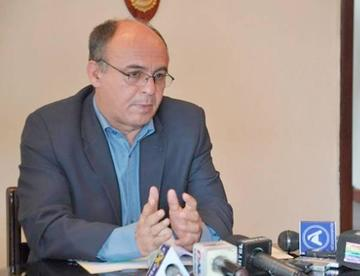 Bolivia posterga la compra de armamento