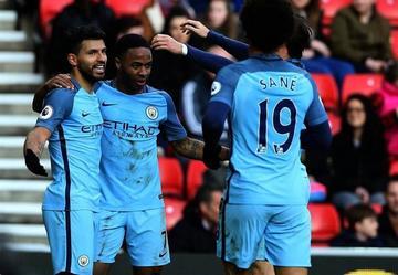 Manchester City derrota 2-0 a Sunderland