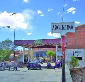 La firma de acta pone fin a bloqueo de calles y caminos en Villazón