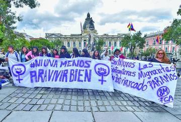 El paro internacional de mujeres se cumplió con protestas en Bolivia