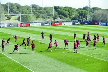 Atlético de Madrid y Granada compiten por un triunfo crucial
