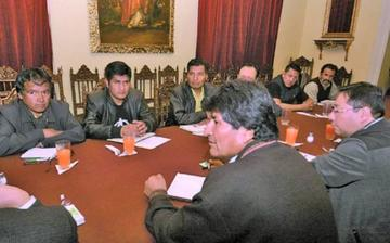 Confirman reunión entre Evo Morales y la COB por el pliego