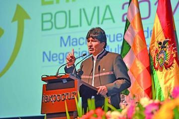 Evo Morales presenta la Expo Aladi en Santa Cruz