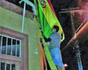 Chile califica como acertado el retiro de banderas bolivianas