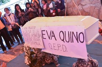 Entierran a Eva Quino, la menor que murió por falta de alimentos