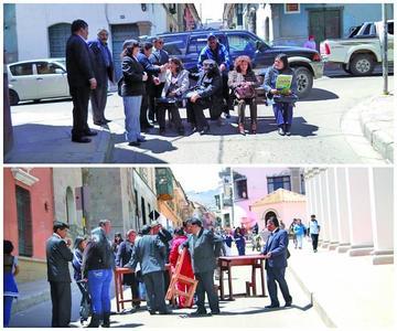 Los maestros urbanos bloquean calles para apoyar la movilización