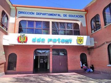 Padres de la escuela Barriga rechazan a una maestra