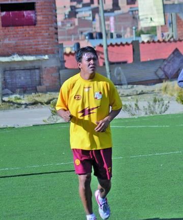 Verduguez vuelve a vestir la camiseta de Nacional Potosí