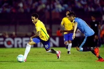 Brasil toca las puertas de Rusia tras vencer a Uruguay