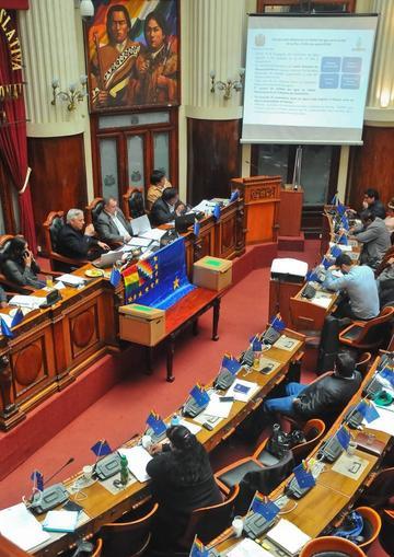 Legislativo da voto de confianza a ministro por la crisis del agua