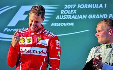 Vettel gana después de un año y medio