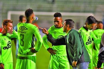 Chapecoense jugará con Atlético por un título