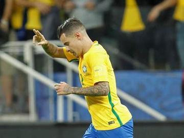 Brasil golea 3-0 a Paraguay