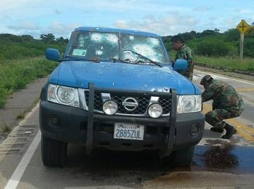 Hombres armados asaltan una millonaria remesa en Santa Cruz
