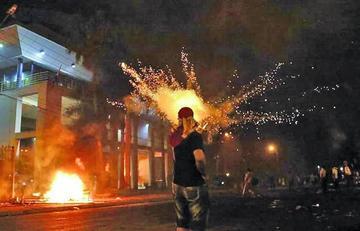 Queman el Congreso paraguayo contra la reelección presidencial