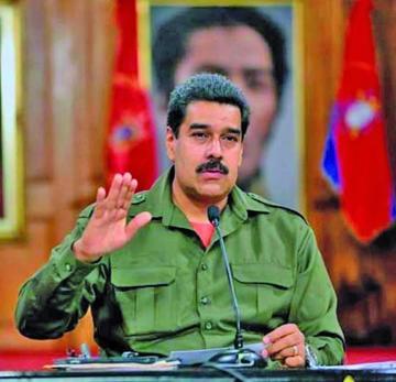 Venezuela: Maduro respalda al TSJ y la OEA revisará la situación