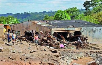 Ya son 210 los fallecidos debido al desborde de ríos en Colombia