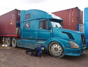 Boliviano que conducía un camión es detenido en Chile