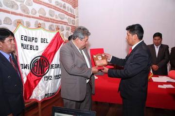 """Reconocen a Nacional Potosí por sus """"Bodas de Diamante"""""""