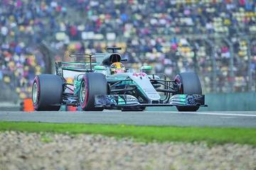 """Hamilton logra la """"pole"""" en el Gran Premio de China"""