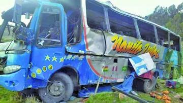 Hay 12 fallecidos por el accidente de tránsito en la vía La Paz - Escoma
