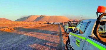 Trabajadores de Codelco bloquean acceso a mina y amenazan con  protestas