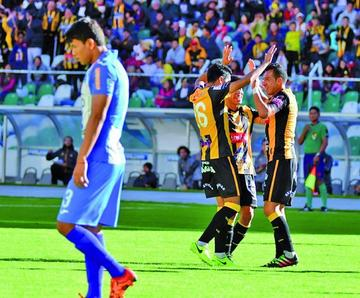 El Tigre golea 6-0 a Blooming
