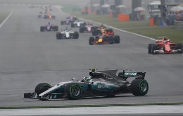 """Bottas logra la """"pole"""" del Gran Premio de Bahrein"""