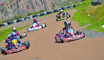 Sandoval sube al podio en el karting
