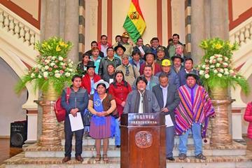 Organizaciones persistirán en la repostulación de Morales en 2019