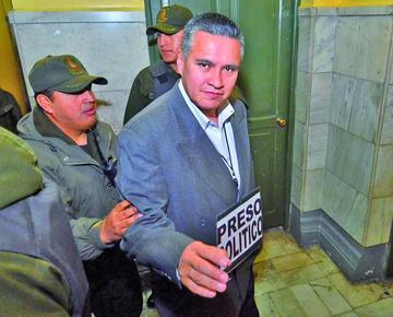 Afirman que falta de custodios policiales traba la excarcelación de León