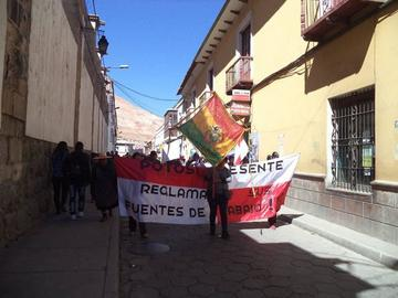 Comerciantes de ropa usada se movilizarán en La Paz