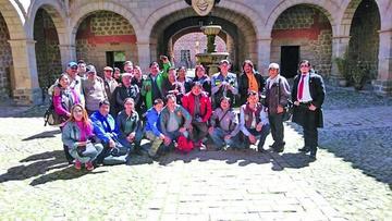Periodistas visitan la Casa de Moneda
