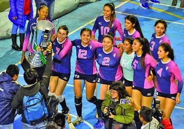 San Simón se corona campeón de voleibol