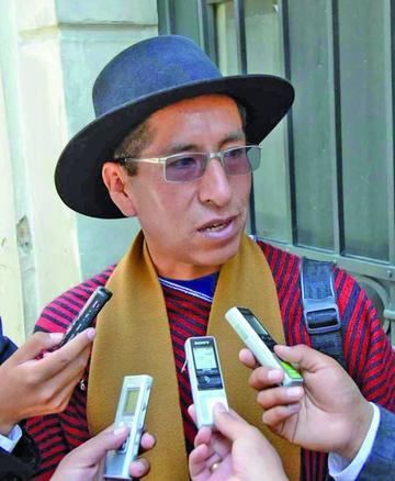 Suspenden audiencia del exmagistrado Gualberto Cusi