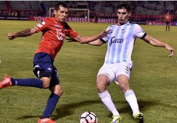 Wilster cae ante Atlético Tucumán