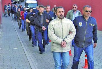 Turquía detiene a más de mil personas acusadas de golpismo