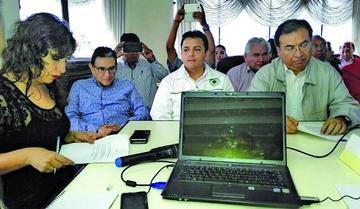 Médicos de Bolivia suspenden el anunciado paro de 48 horas