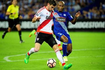 River Plate vence 2-1 a Emelec