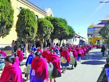 Mujeres productoras buscan mercados del exterior del país