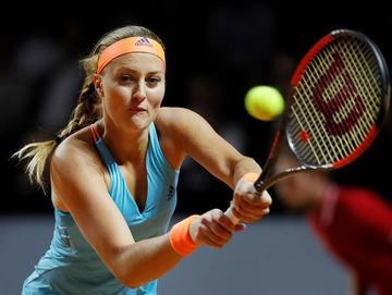 Kristina Mladenovic entierra el sueño de Sharapova
