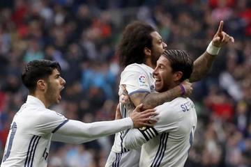 Real Madrid sufre para ganar y seguir en la cima
