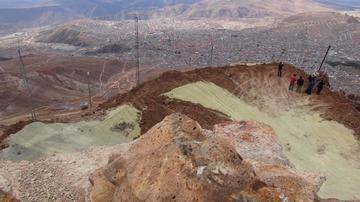 Anuncian fase de estalización de la cima del Cerro Rico de Potosí