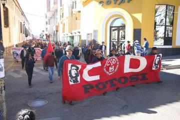 Trabajadores comprometen luchar por derechos sociales
