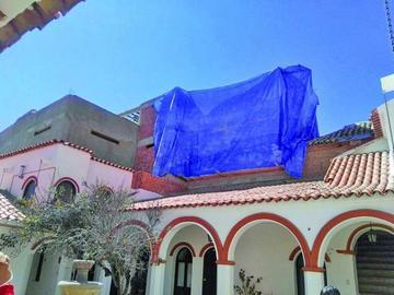 Demuelen una construcción ilegal en el centro histórico de Potosí