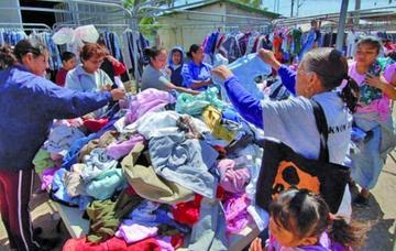 El Gobierno suspende el tratamiento de la ley contra la ropa usada