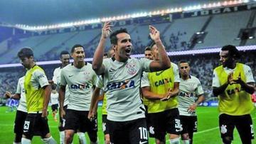 Corinthians parte a Chile en medio del festejo por el título