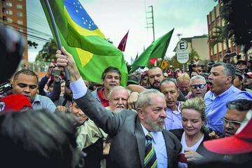 Expresidente Lula comparece ante un juez por el caso de corrupción