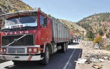 Transporte pesado anuncia suspensión de pago de peaje